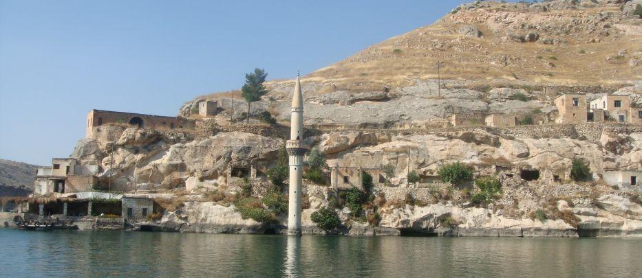 Yok edilen kültürel mirası gösterme turizmi…